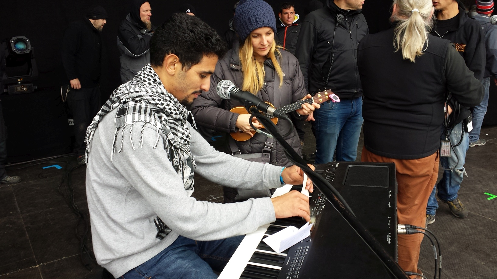 Aeham Ahmad: Ruf der Völker (Lyrics)